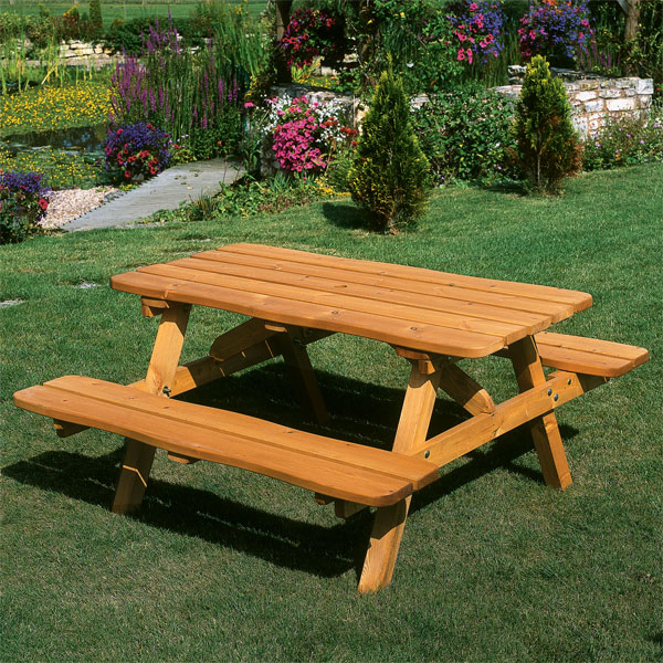Round picnic tables for sale are included into commercial furniture ...
