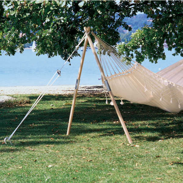 Single sided hammock stand