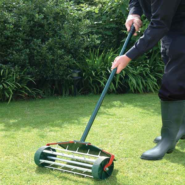 Bosmere rolling lawn aerator on sale fast delivery for Lawn and garden tools for sale