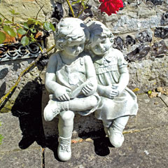 Europa Leisure Solstice Sculptures Polly & Peter Statue