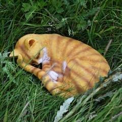 Design Toscano Sleeping Cat Garden Statue