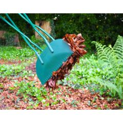 Lightweight long handle edging shears in stock now for Lightweight long handled garden shears