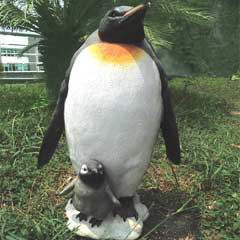 Emperor Penguin with Chick Garden Ornament